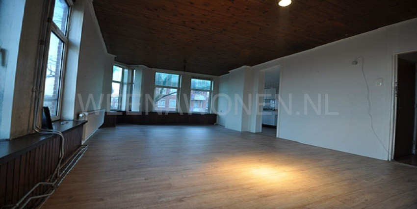 Te huur twee kamer appartement aan de riederlaan in for Appartement te huur in rotterdam