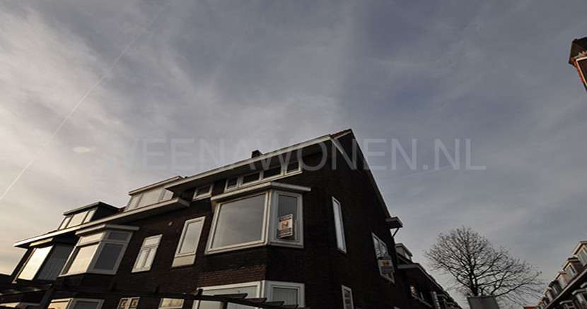 Four-room apartment for rent at the Lisbloemstraat in the beautiful and peaceful Hillegersberg Rotterdam.