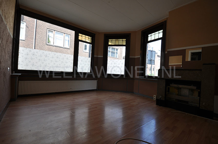 For rent 3 room apartment located on the ground floor on the Gouwstraat in Rotterdam Zuid.