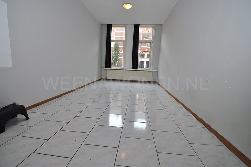For rent four room apartment on the Jan Porcellisstraat in Rotterdam West.