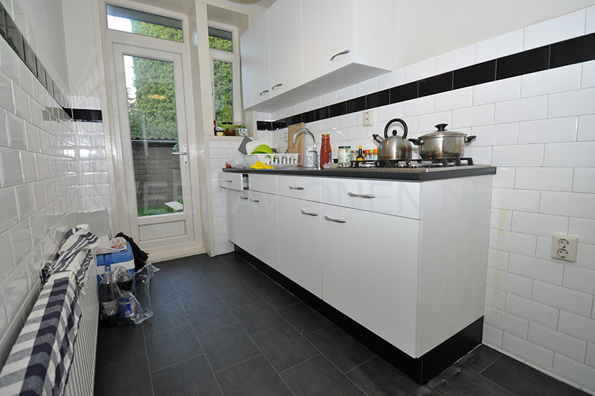 Two room apartment for rent on the Frans Bekkerstraat in Rotterdam Zuid.